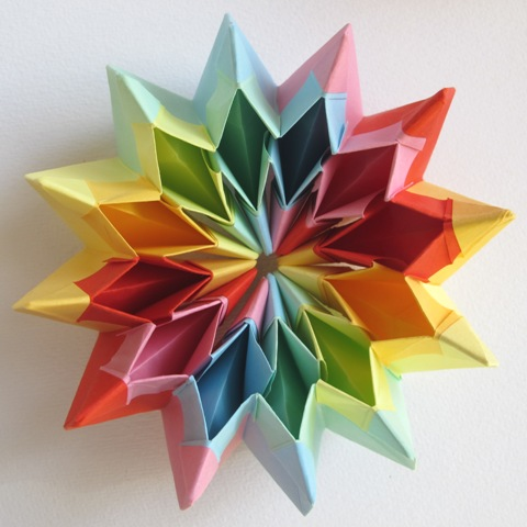 How to Make the 3D Origami Magic Circle Into a Starburst - Snapguide | 480x480
